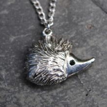 Hedgehog pendant necklace P38